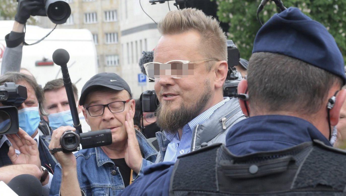 """Inicjatorowi """"strajku przedsiębiorców"""" postawiono zarzuty naruszenia nietykalności cielesnej policjantów (fot. PAP/Radek Pietruszka)"""
