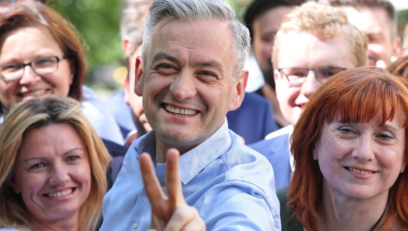 Robert Biedroń jeszcze niedawno mówił, że Wiosna będzie startowała sama...(fot. PAP/Tomasz Gzell)