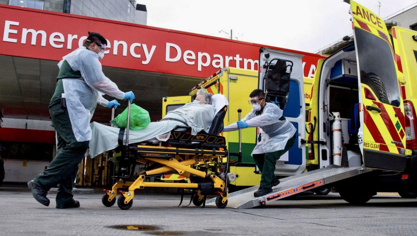 Na Śląsku łóżka respiratorowe są zajęte w ponad 90 proc. (fot. J.Setterfield/Getty Images)