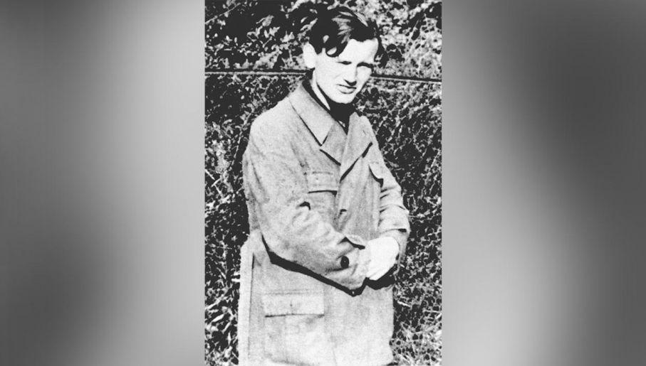 Karol Wojtyła w kamieniołomach francuskiej firmy Solvay w Borku Falęckim w Krakowie, 1939 (fot Laski Diffusion/East News)