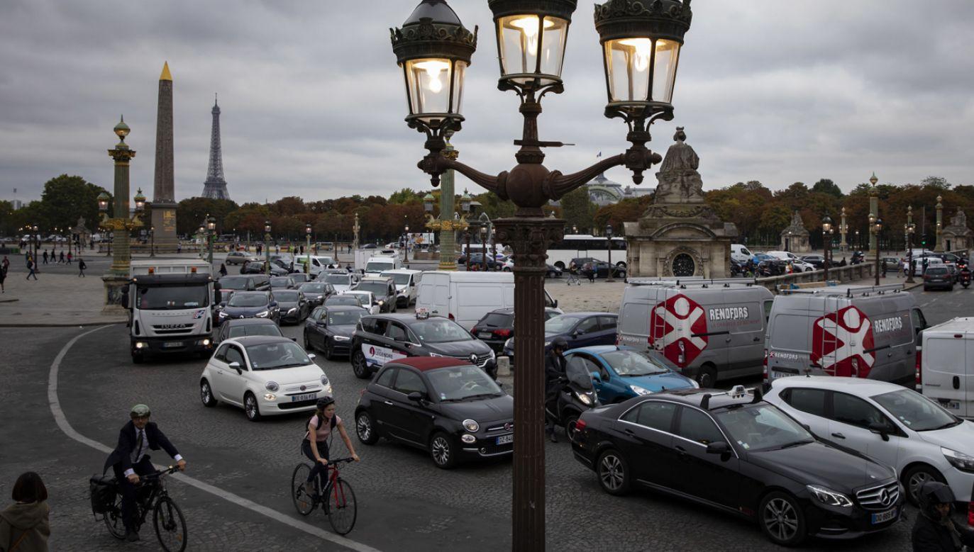 Protest pracowników transportu publicznego sparaliżował Paryż (fot. PAP/EPA/IAN LANGSDON)