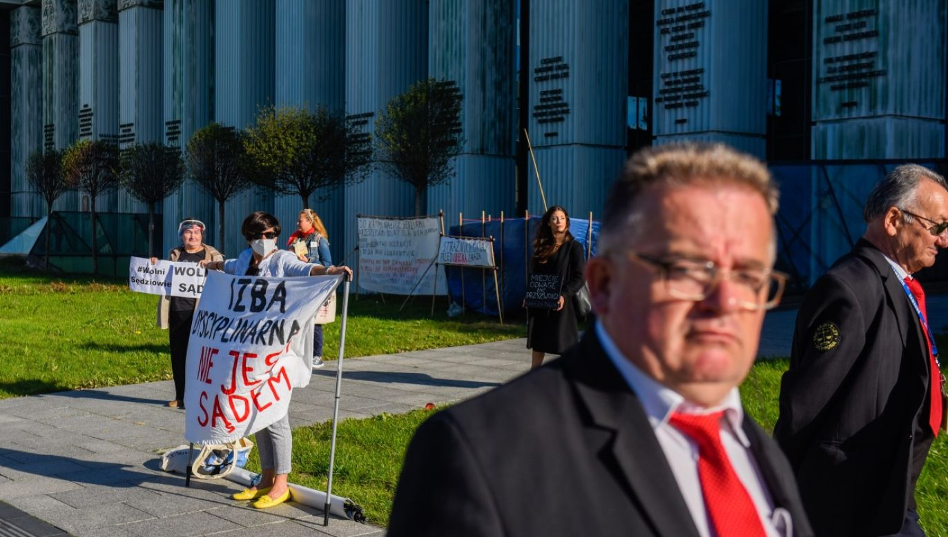 Izba Dyscyplinarna Sądu Najwyższego ma w poniedziałek podjać decyzję ws. ewentualnego uchylenia immunitetu sędzi Beacie Morawiec (fot. Omar Marques/Getty Images)