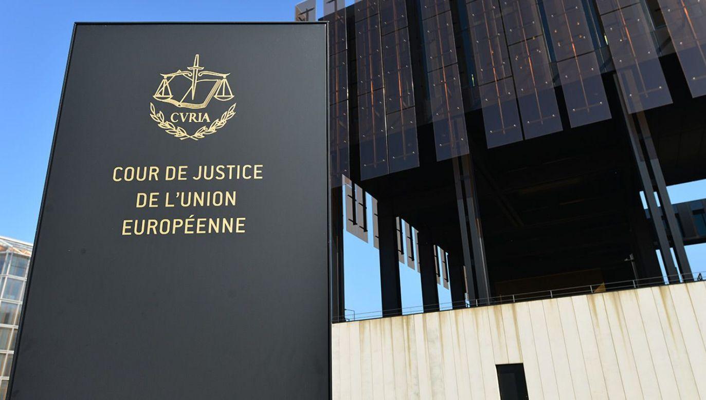 KE zdecydowała o skierowaniu do TSUE sprawy przeciwko Polsce (fot. Shutterstock)