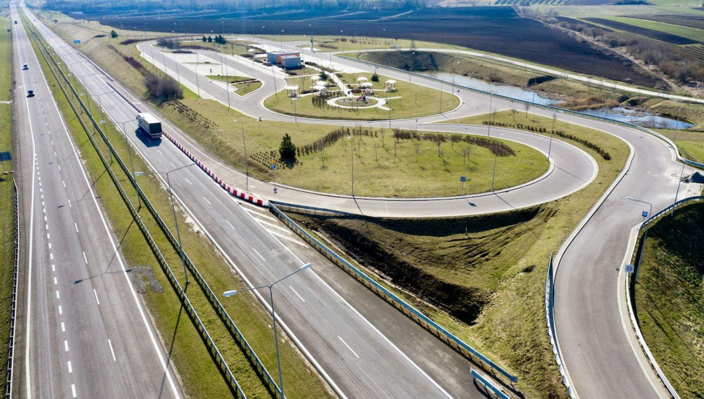 Na bezpieczeństwo ruchu drogowego zostało przeznaczonych blisko 3 mld zł. (fot. PAP/D.Delmanowicz)