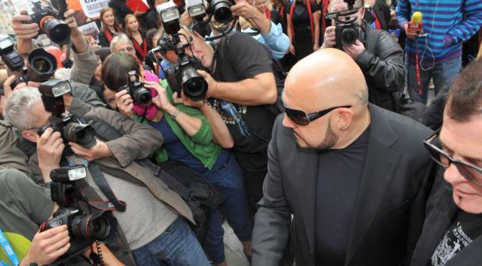 Fotoreporterzy przeciskali się, by sfotografować gwiazdy (fot. Ireneusz Sobieszczuk/TVP)