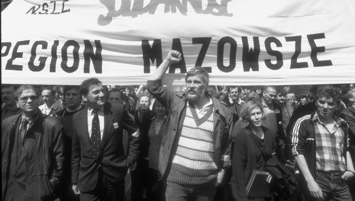"""Zmarł Maciej Jankowski (C), były szef Regionu Mazowsze """"Solidarności"""" (Chris Niedenthal/The LIFE Images Collection via Getty Images, 1991 r.)"""