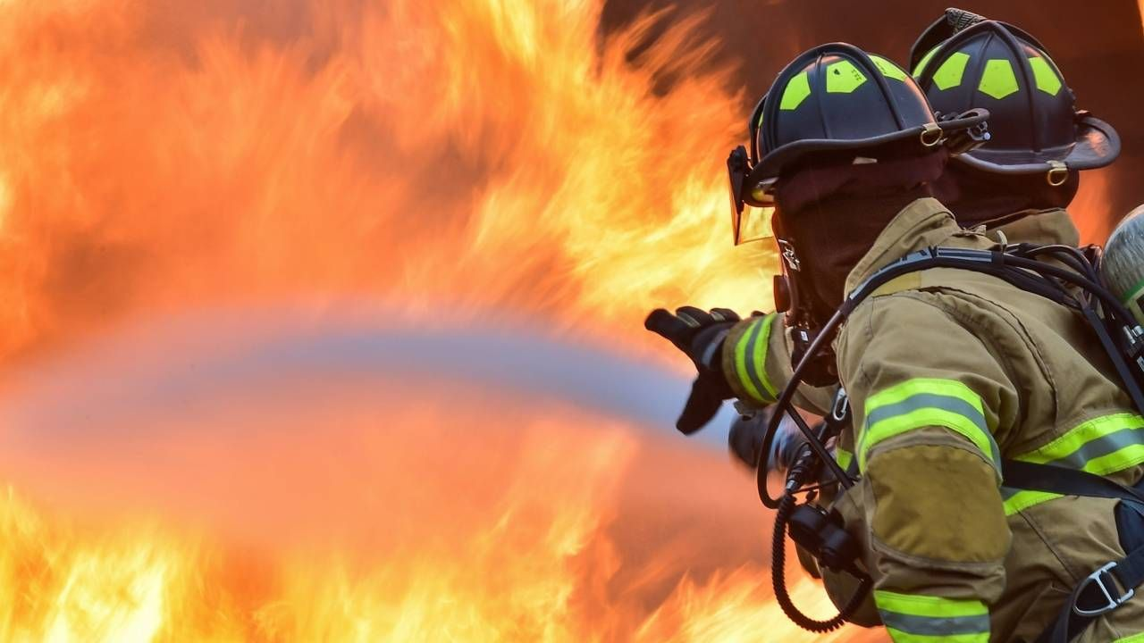 Nie wiadomo, co wywołało pożar (fot. Pexels)