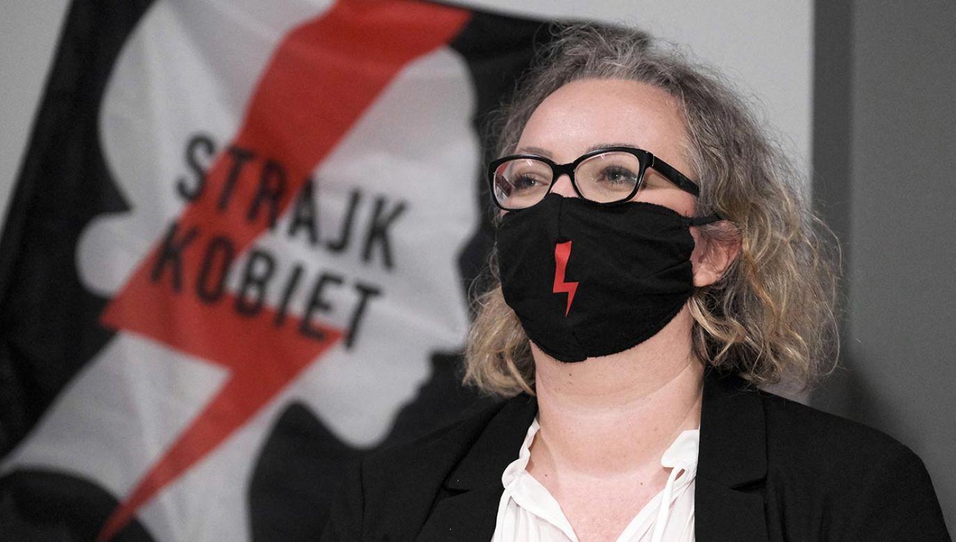 Władze stolicy wynajęty lokal fundacji Ogólnopolski Strajk Kobiet w trybie pozakonkursowym na pięć lat (fot. PAP/Mateusz Marek)