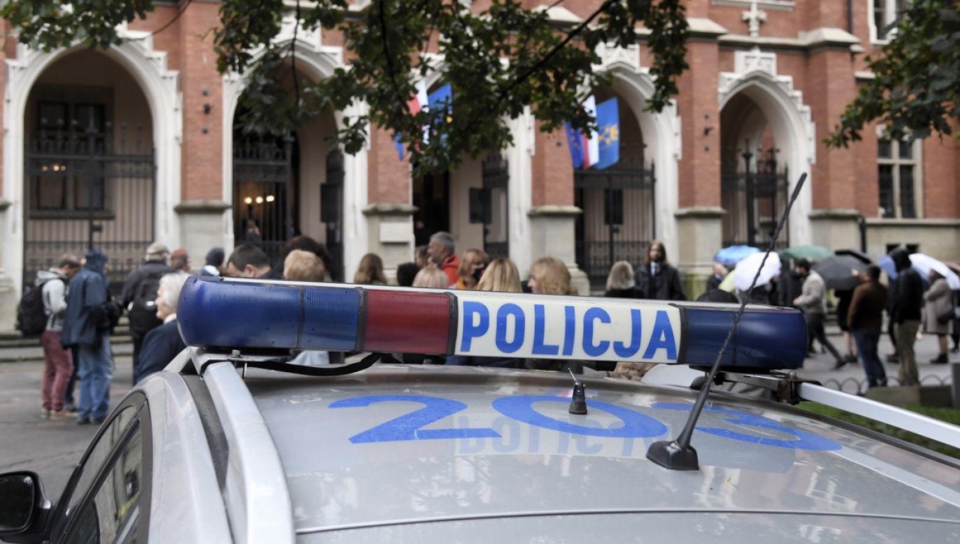 Protesty odbywają się pomimo obostrzeń wynikających z pandemii (fot. arch.PAP/Jacek Bednarczyk, zdjęcie ilustracyjne)