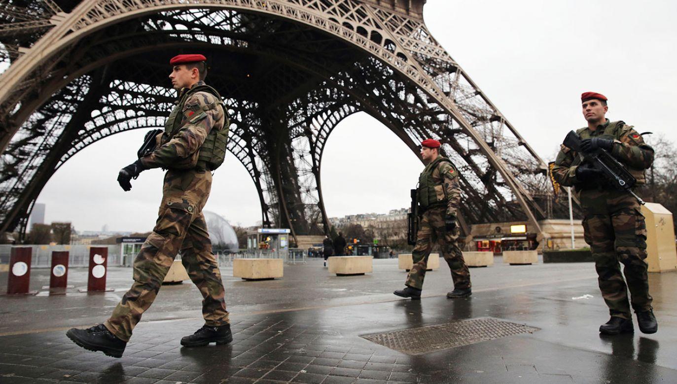 """Francuska policja zatrzymała pięć osób z neonazistowskiej grupy """"Honor i naród"""" (fot. Dan Kitwood/Getty Images)"""