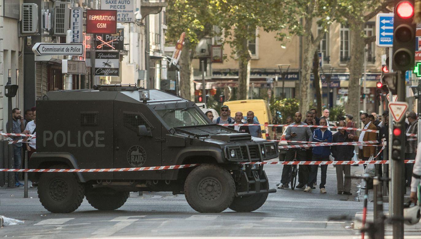 Francuska policja zatrzymała podejrzanego o przynależność do ruchu islamistycznego (fot. Nicolas Liponne/NurPhoto via Getty Images)