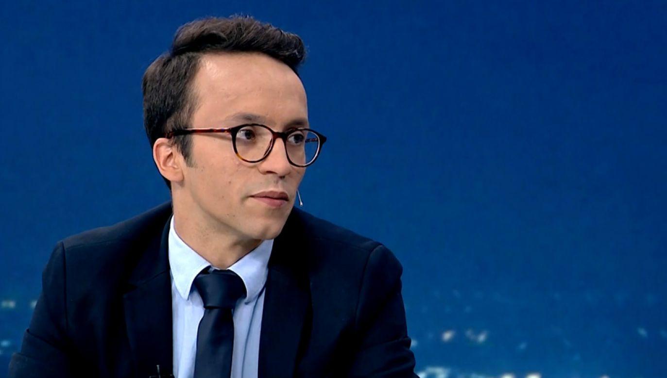 Samuel Pereira uważa, że na zamieszaniu po stronie opozycji skorzysta PiS (fot. TVP Info)