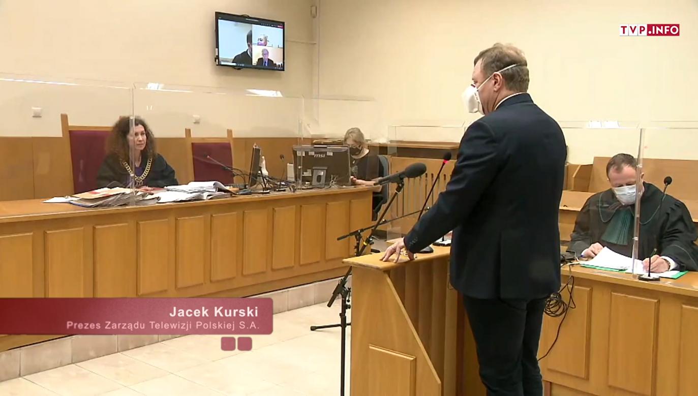 Pozew TVP przeciwko prof. Wojciechowi Sadurskiemu. Przesłuchanie Jacka Kurskiego (fot. TVP Info)