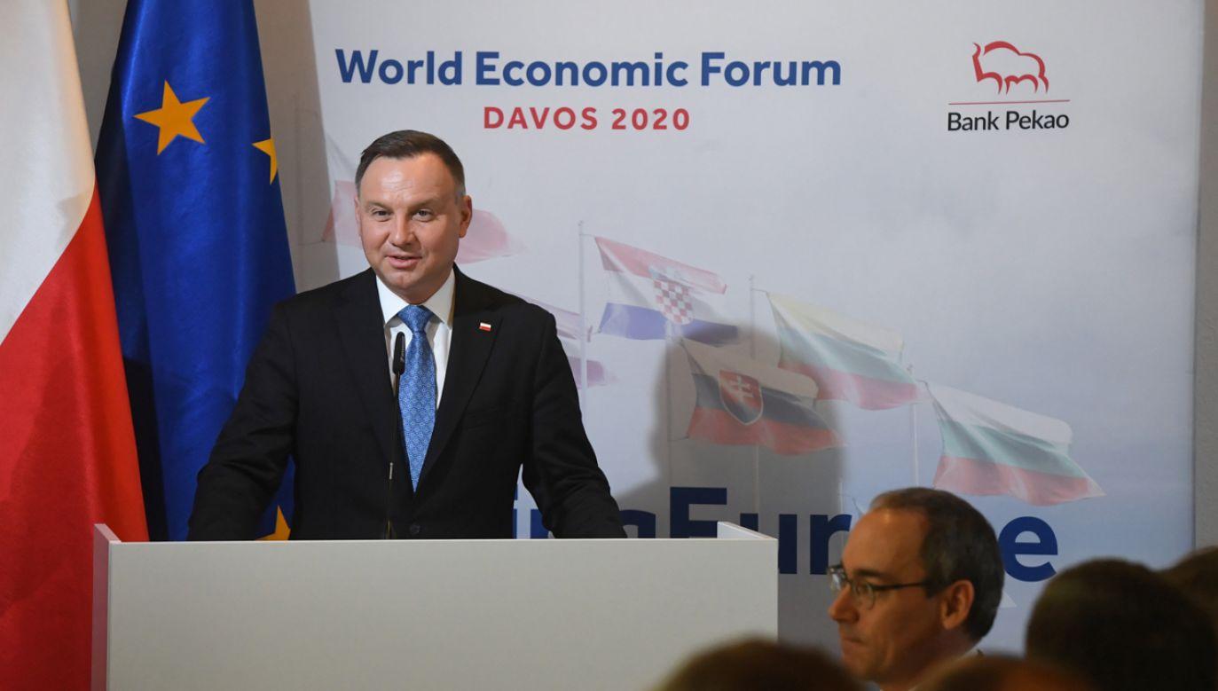 Prezydent Andrzej Duda podczas wystąpienia w Davos (fot. PAP/Radek Pietruszka)