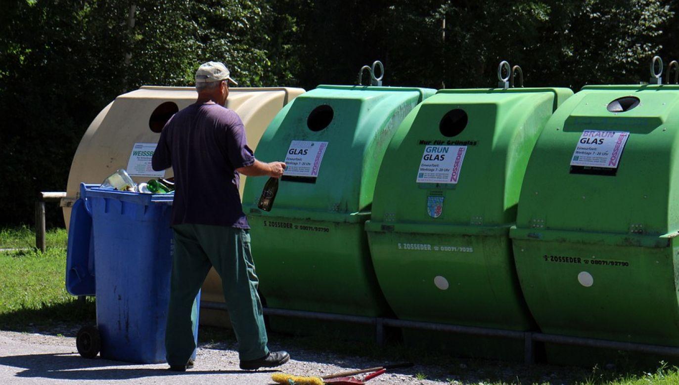 Pokrycie kosztów zagospodarowania odpadów komunalnych i kosztów funkcjonowania systemu gospodarowania odpadami wzrośnie w tym roku o 2,8 mld zł (fot.Antranias/pixabay)