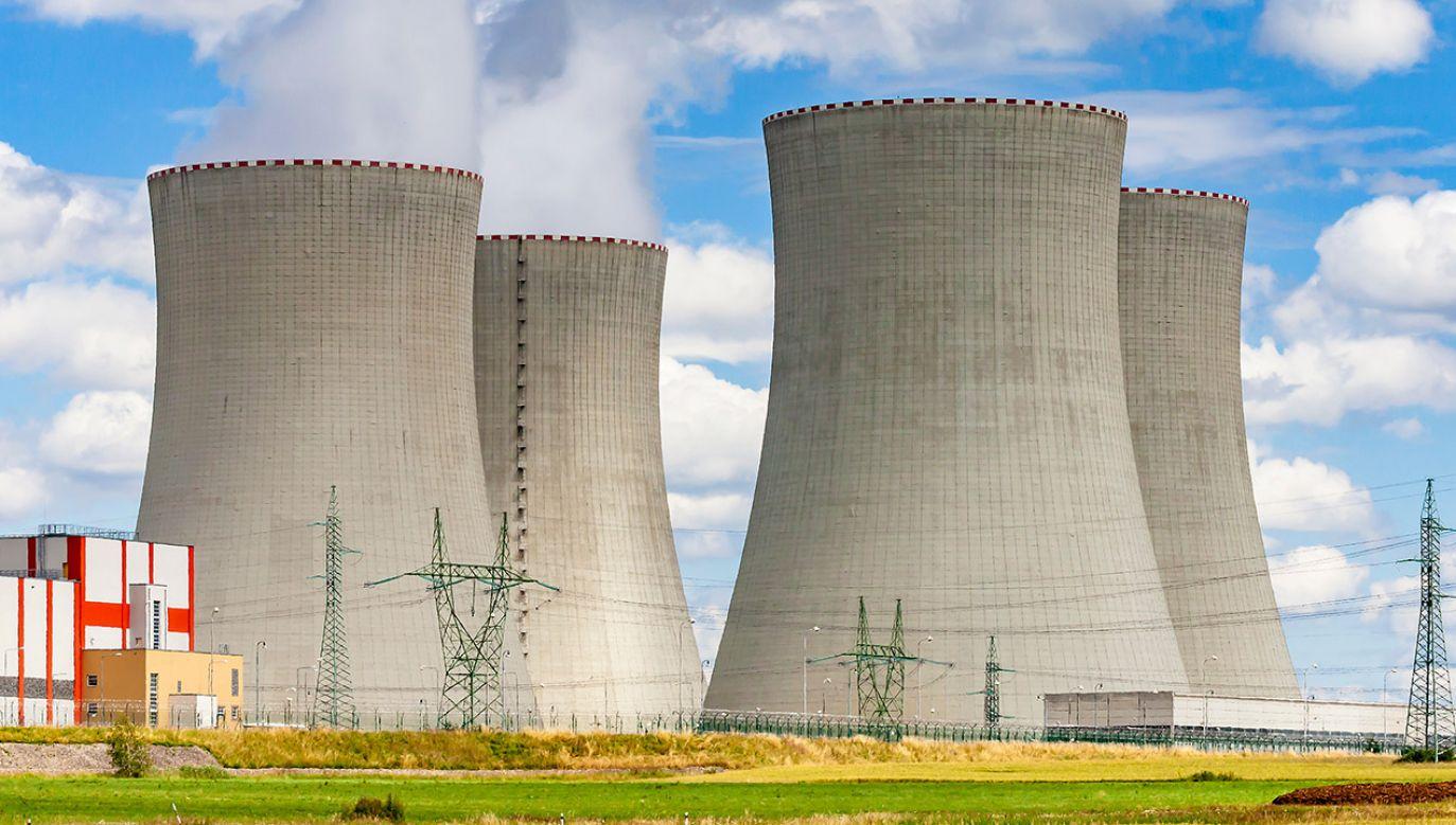 Trzy reaktory odłączone (fot. Shutterstock/ Martin Lisner)