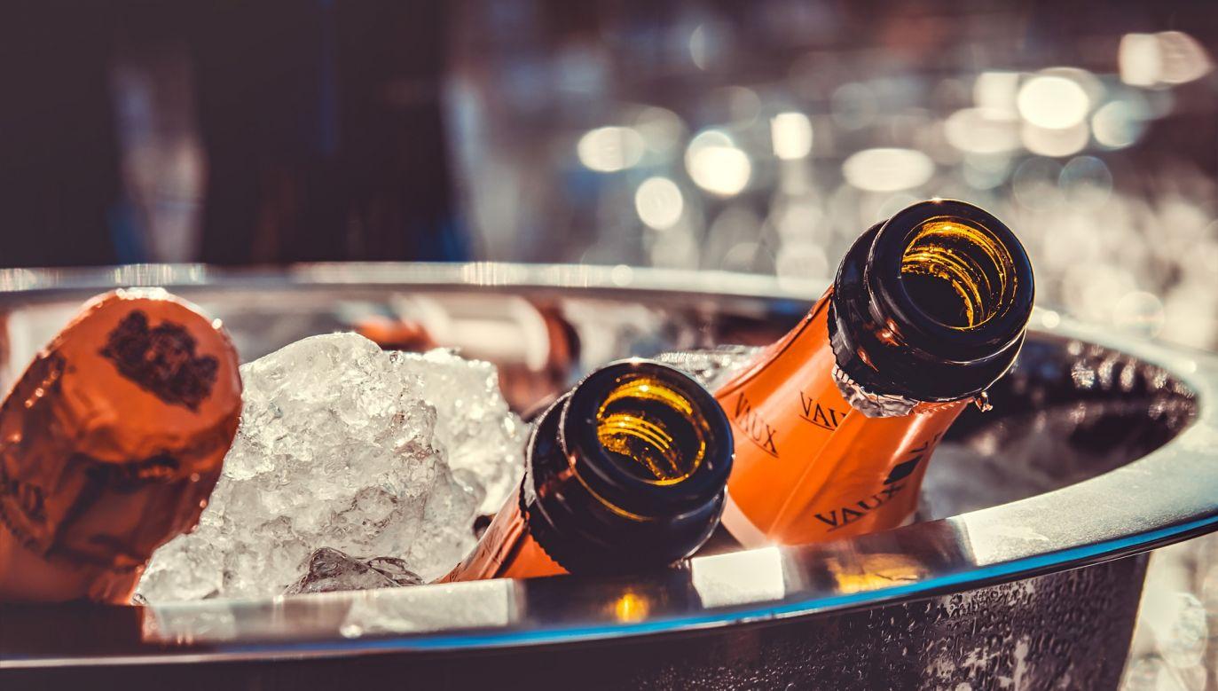 Radość psuje nieco firmom szampańskim spadek sprzedaży we Francji (fot. pixabay/couleur)