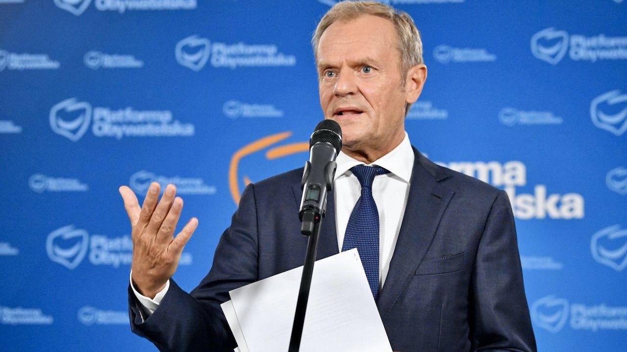 Donald Tusk chce surowych kar dla nielojalnych posłów (fot. PAP/Radek Pietruszka)