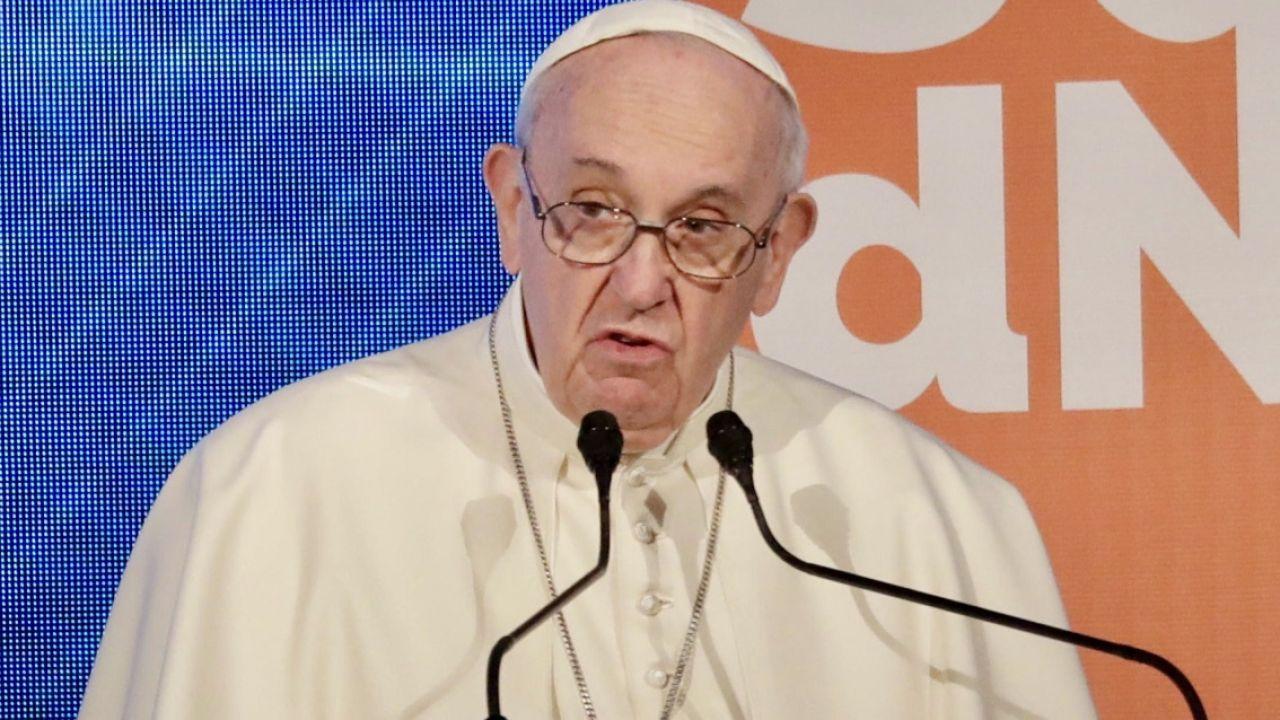 Papież Franciszek uważa, że pedofilia to swego rodzaju psychologiczne morderstwo (fot. PAP/EPA/ANDREW MEDICHINI)