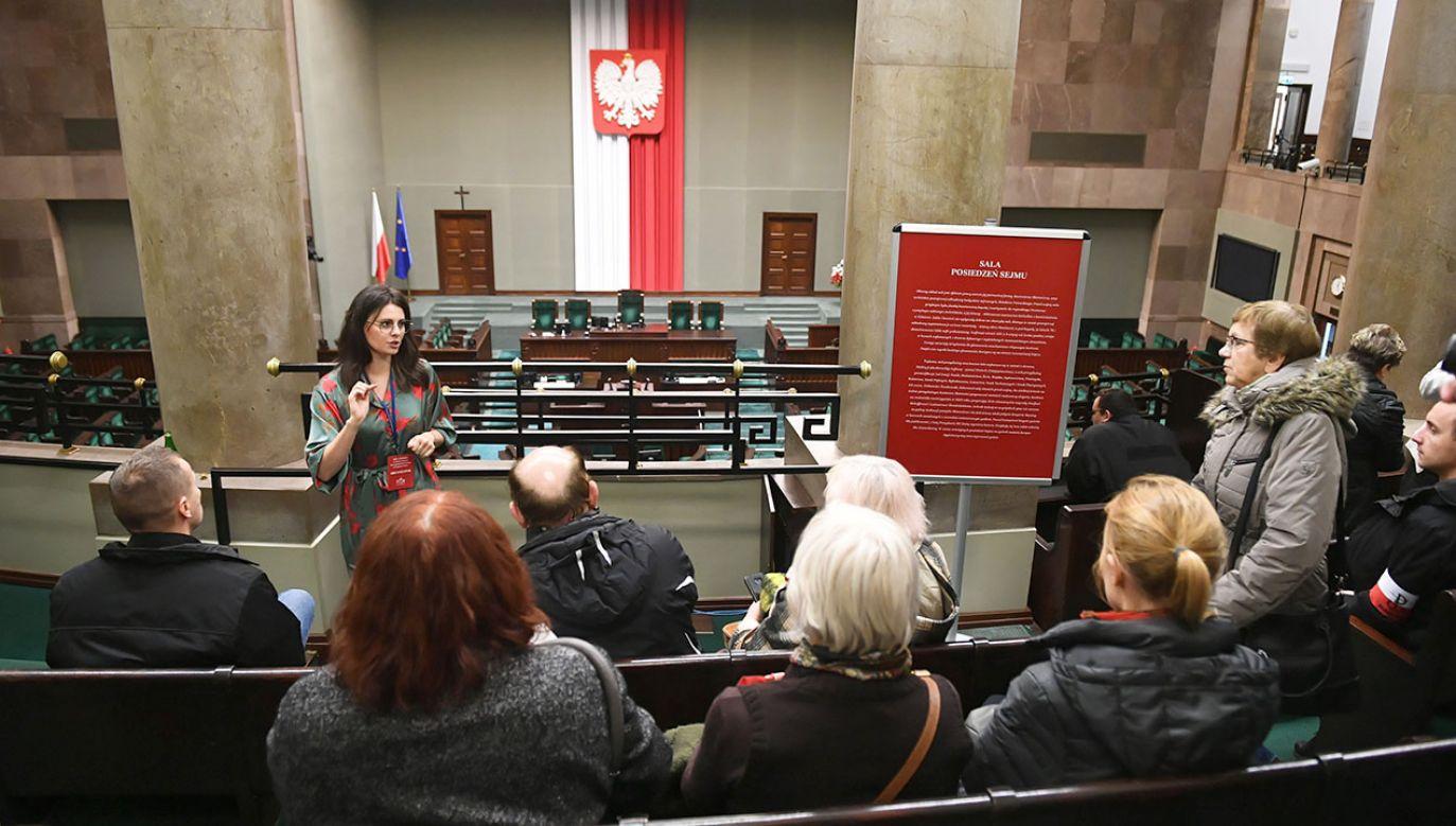 Na inauguracyjnym posiedzeniu Sejmu posłowie złożą ślubowanie, a chwilę później wybiorą marszałka i wicemarszałków Izby (fot. PAP/Radek Pietruszka)