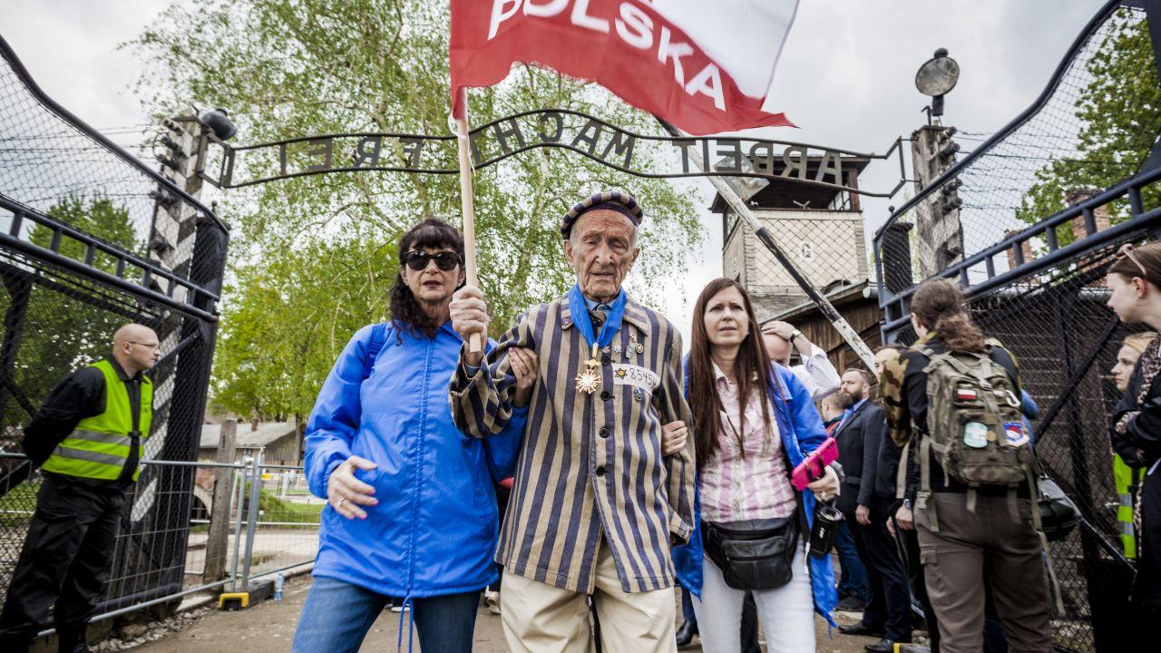 Mosberg był więźniem niemieckich obozów w Płaszowie i Mauthausen (fot. Celestino Arce/NurPhoto via Getty Images)