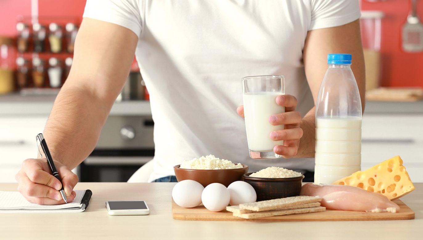 Precyzyjne ustalenie kaloryczności posiłków jest niemal nierealne (fot. Shutterstock/Africa Studio)
