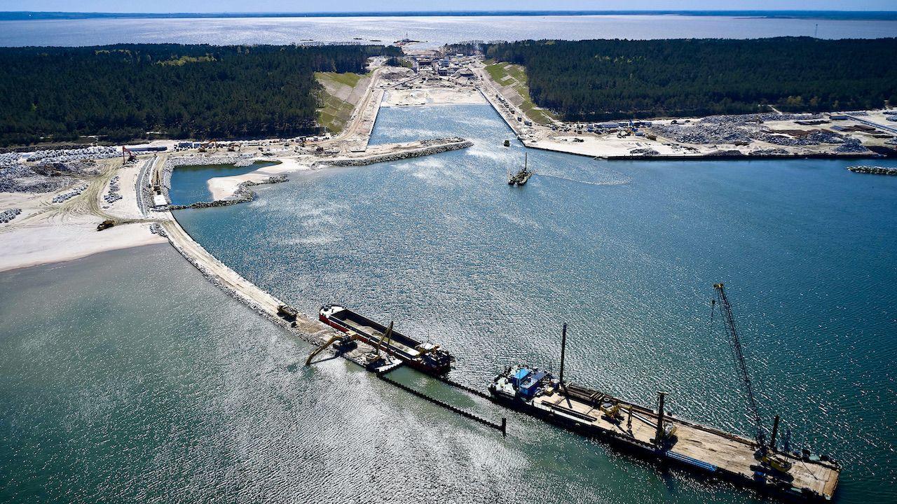 Budowa kanału żeglugowego (fot. arch.PAP/Adam Warżawa)