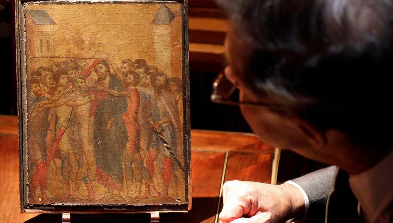 Organizatorzy aukcji zapowiedzieli, że większość kwoty uzyskanej ze sprzedaży trafi do kobiety, w której domu wisiał obraz (fot. REUTERS/Charles Platiau)