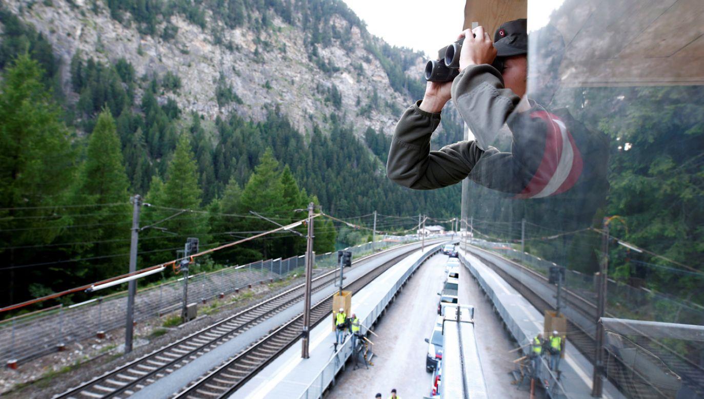Magistrala kolejowa biegnąca przez przełęcz Brenner jest kluczową drogą transportową pomiędzy krajami (zdjęcie ilustracyjne) (fot. REUTERS/Michaela Rehle)