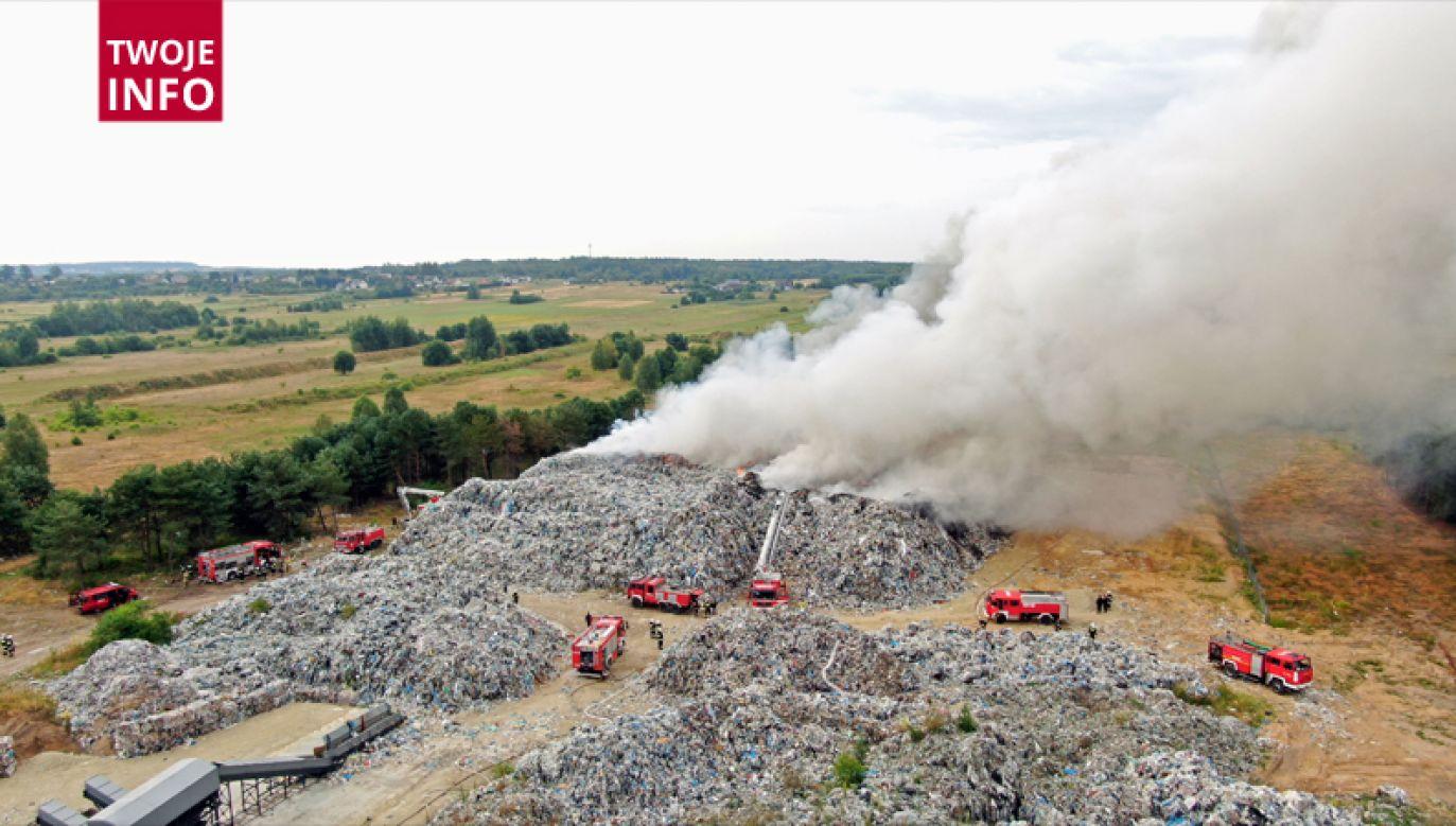 Akcja gaśnicza może potrwać kilkanaście godzin (fot. Twoje Info)