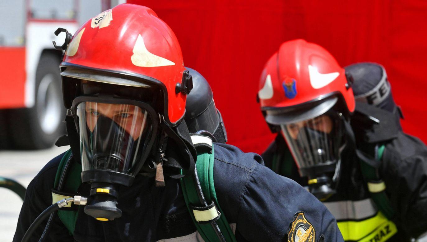 Według wstępnych ustaleń strażaków przyczyną zatrucia czadem był niesprawny piec junkers (fot. arch. PAP/Piotr Nowak)