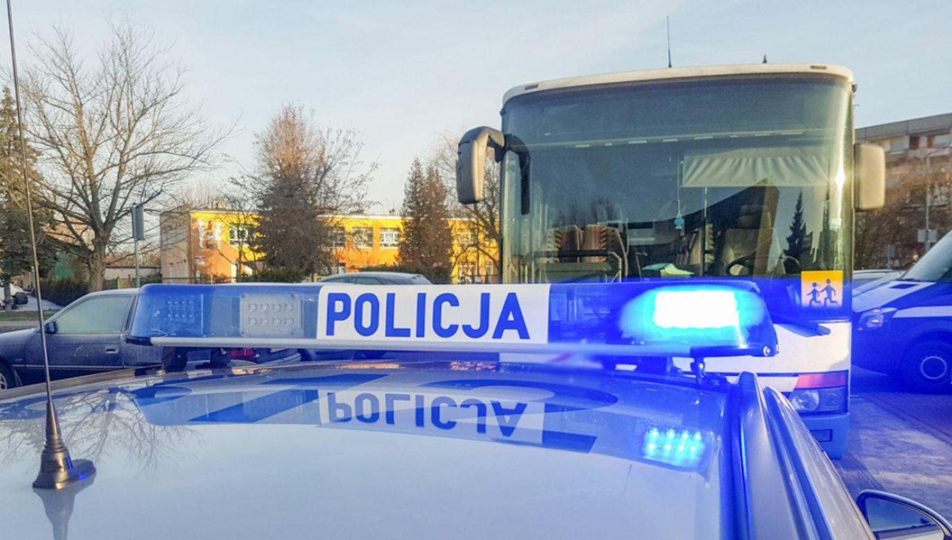 Dyrekcja przedszkola, zwróciła się do służb o skontrolowanie pojazdów, ponieważ na wycieczkę miało pojechać aż 92 dzieci (fot. Policja)