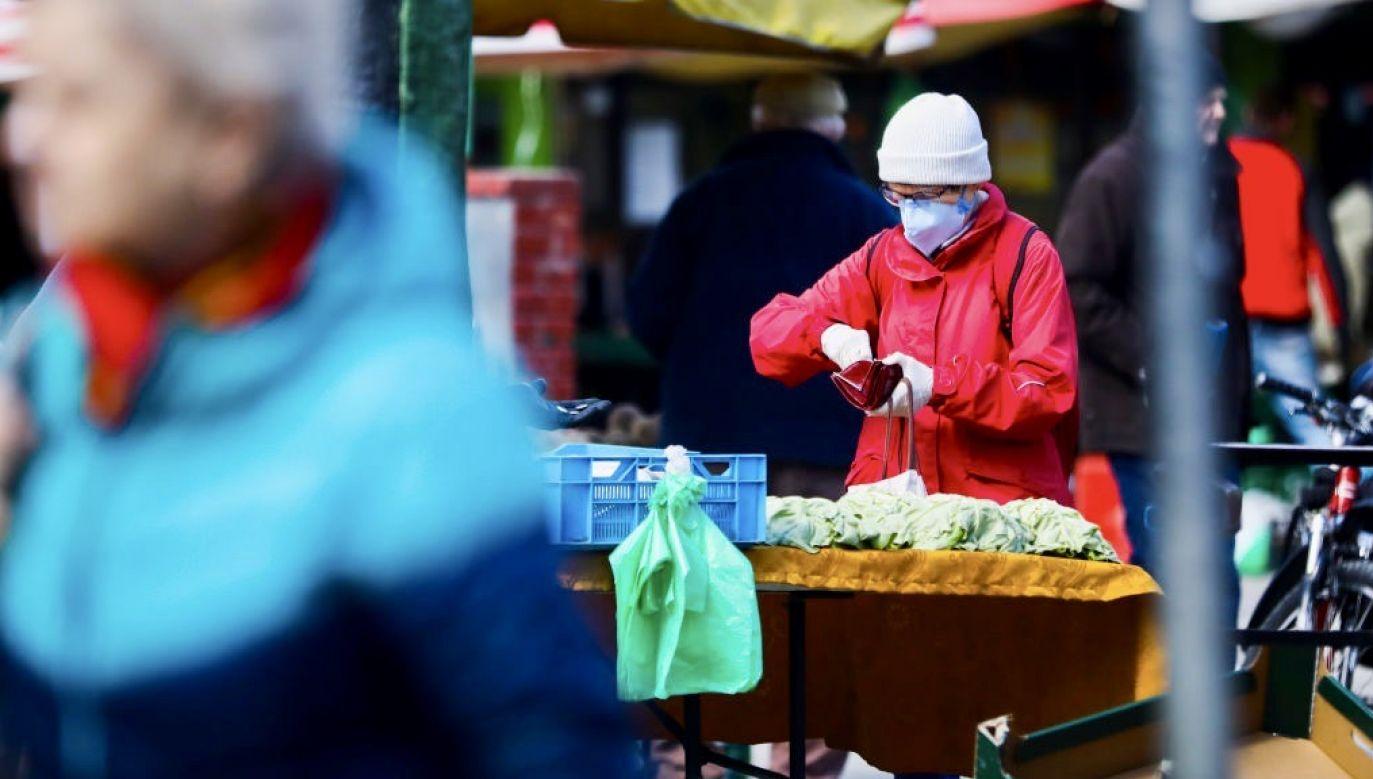 Ardanowski powiedział, że przez pandemię koronawirusa zrywają się kanały dystrybucji żywności, coraz trudniej ją eksportować (fot. Beata Zawrzel/NurPhoto via Getty Images)