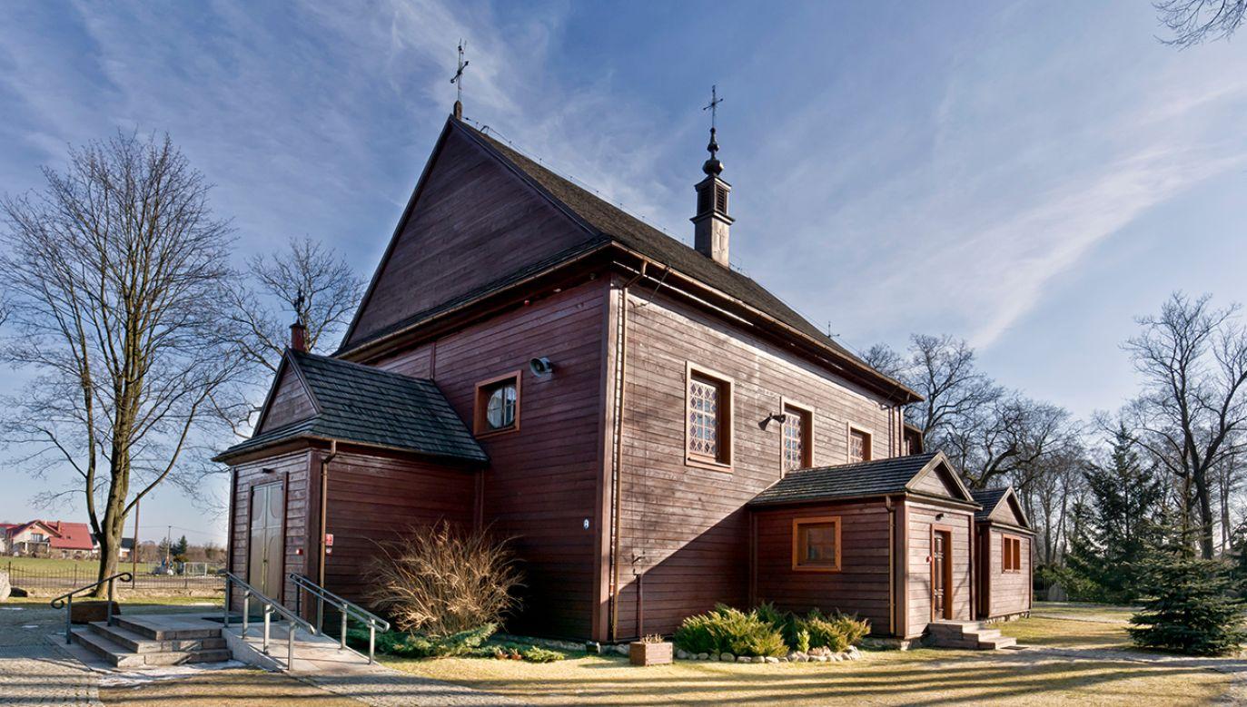 Podczas mszy parafianie usłyszeli krzyki (fot. SHutterstock/ Madaland2)