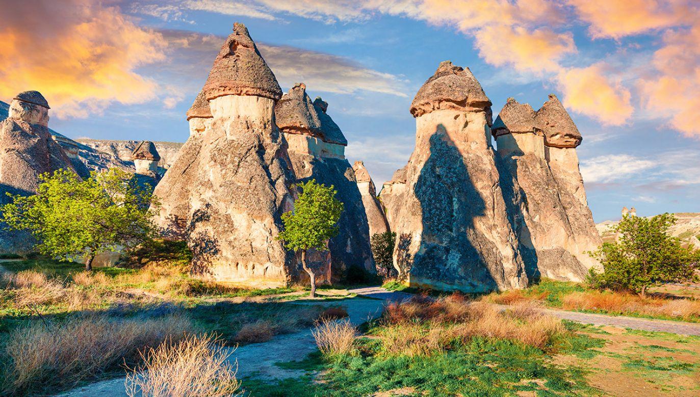 Kapadocja to jedno z najbardziej wyjątkowych miejsc na świecie (fot. Shutterstock)