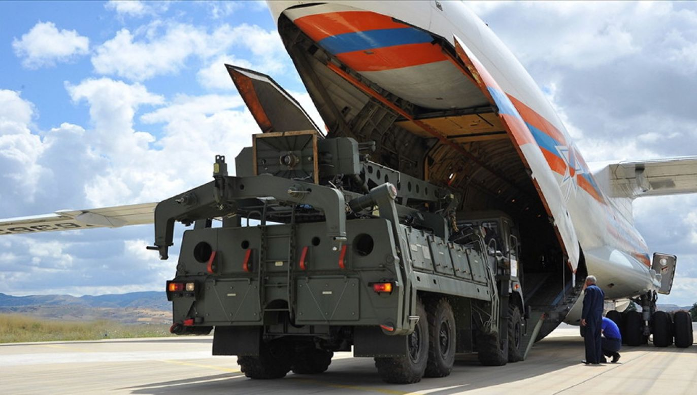 Turcja czeka na kolejne dostawy S-400 (fot. PAP/EPA/TURKISH DEFENCE MINISTRY HANDOUT)
