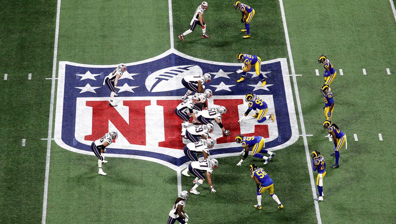 Finały futbolu amerykańskiego biją rekordy oglądalności w USA. (fot. Rob Carr/Getty Images)