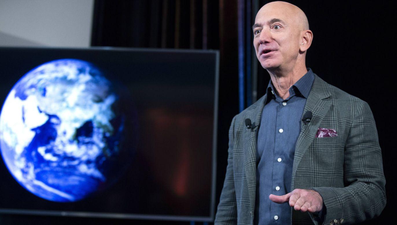 Majątek Jeffa Bezosa oceniany jest na ponad 130 miliardów dolarów (fot. arch.PAP/EPA/MICHAEL REYNOLDS)