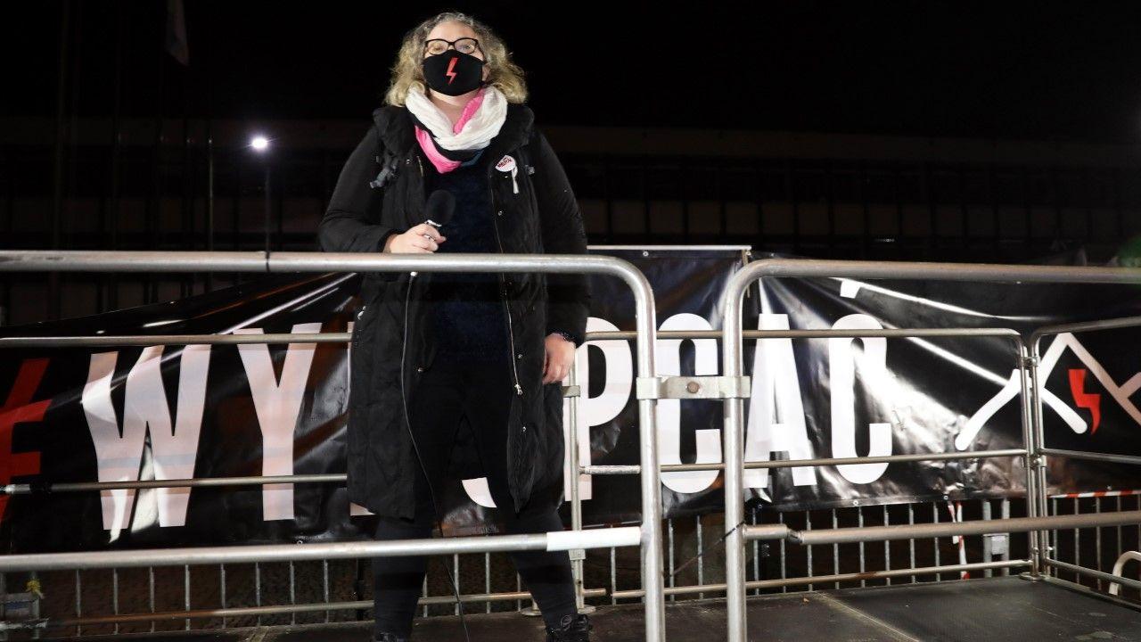 """Liderka Strajku Kobiet Marta Lempart protestu pod hasłem """"Cała Polska na Podhale"""" (fot. PAP/Grzegorz Momot)"""