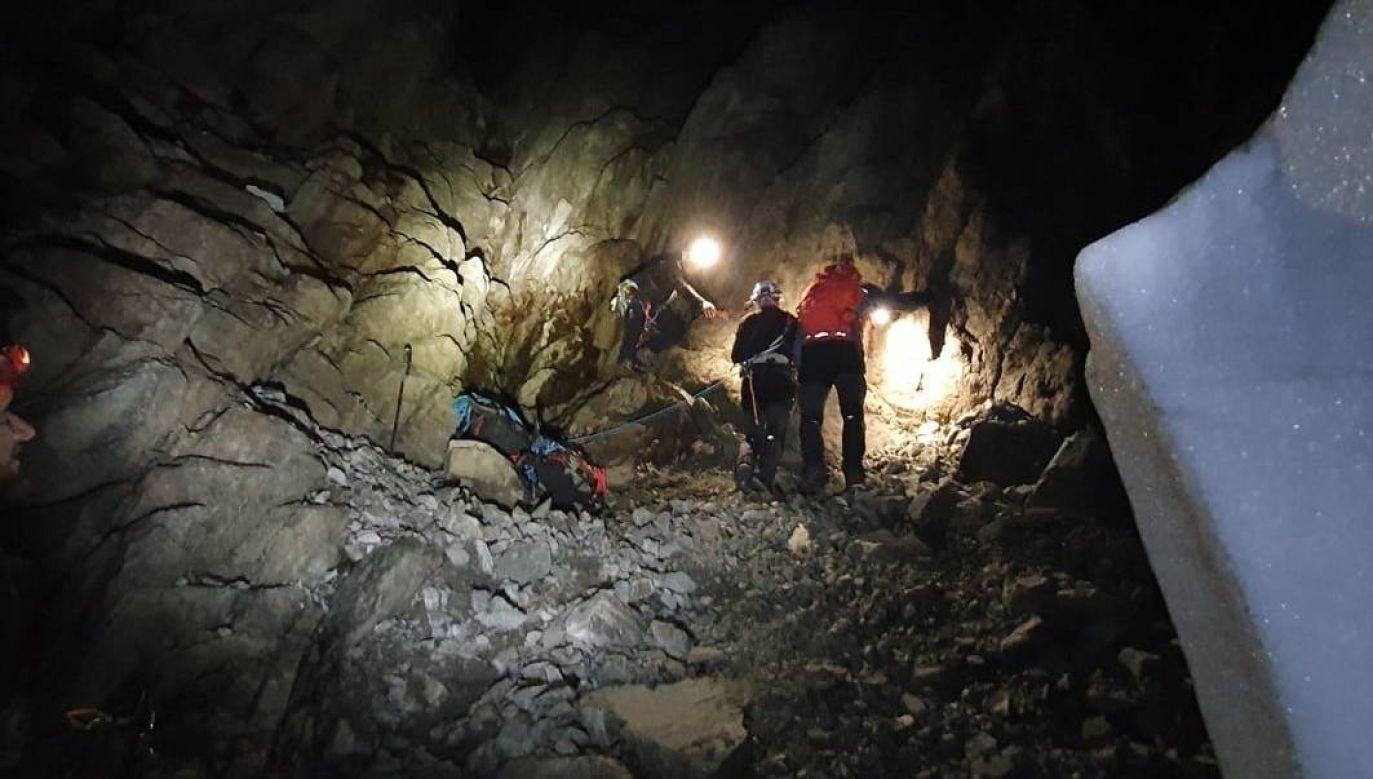 Turyści nie mieli sprzętu potrzebnego do noclegu w górach (fot. Facebook/HZS)
