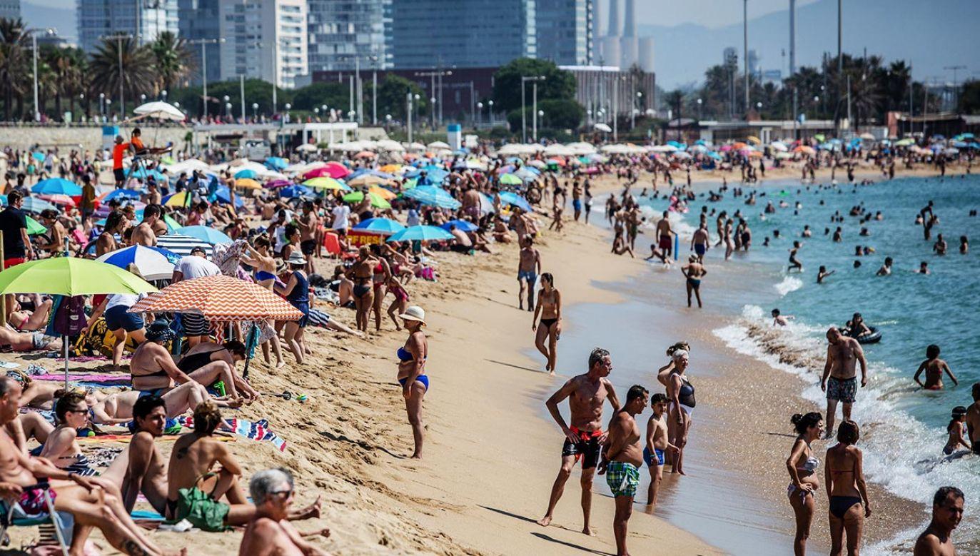 Rośnie liczba zakażeń w Hiszpanii. Nakazy i obostrzenia nie przynoszą efektów (fot.  Angel Garcia/Bloomberg via Getty Images)