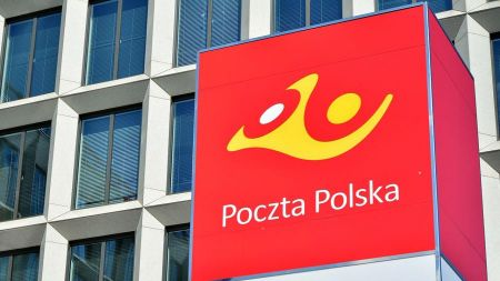 Poczta Polska oddelegowała 20 konsultantów do infolinii GIS (fot. PAP)