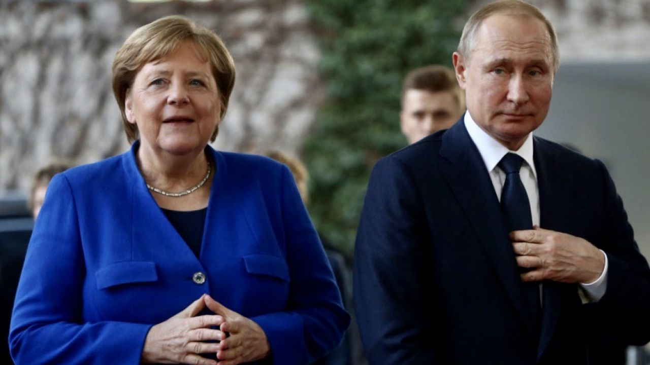 Angela Merkel i Władimir Putin (fot. Adam Berry/Getty Images)