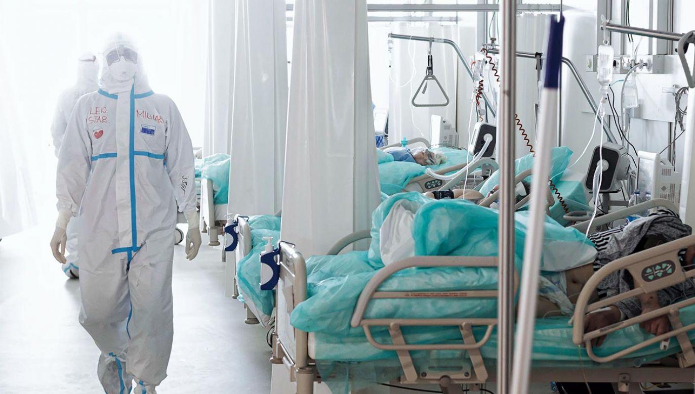 Nowe dane o epidemii koronawirusa w Polsce – czwartek 15 kwietnia 2021 (fot. PAP/Aleksander Koźmiński)