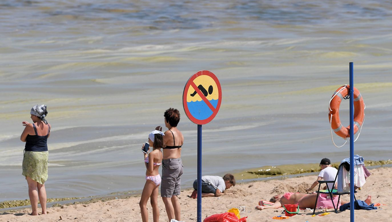 Sanepid monitoruje sytuację  (fot. arch.PAP/Adam Warżawa)