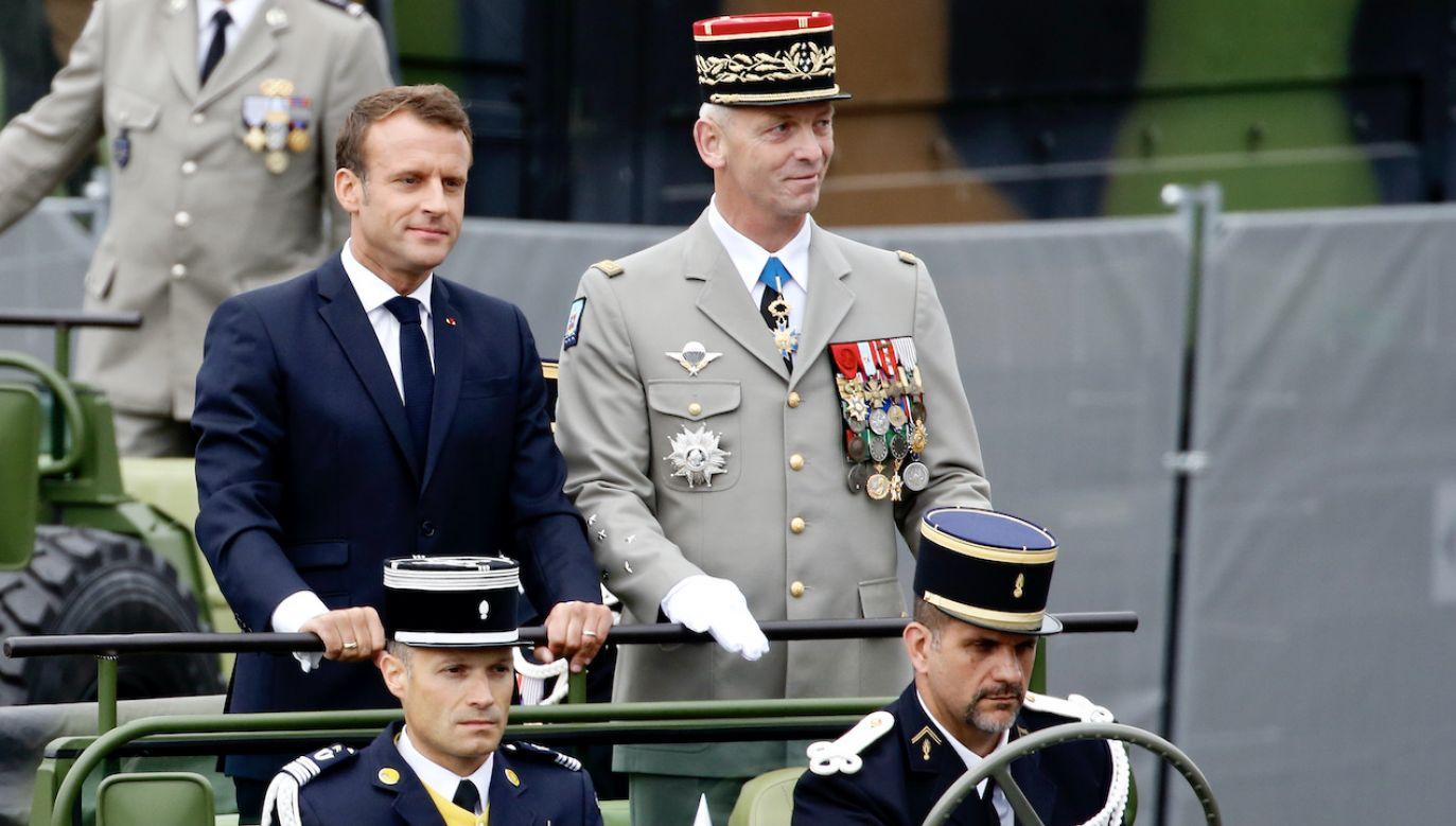Prezydent Emmanuel Macron i generał François Lecointre (fot. Thierry Chesnot/Getty Images)