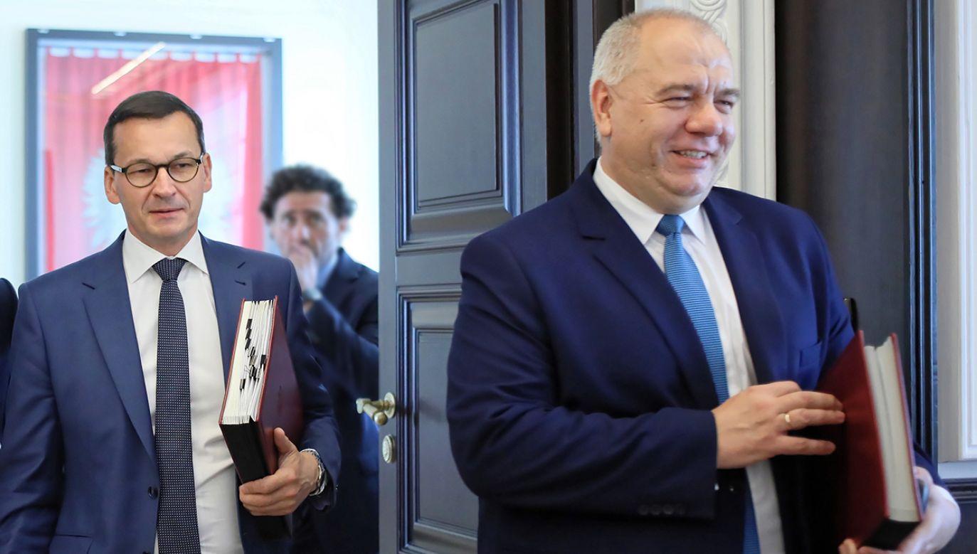 Sasin powiedział, że w przyszłości ustawa będzie dotyczyła także czternastej emerytury (fot. PAP/Leszek Szymański)