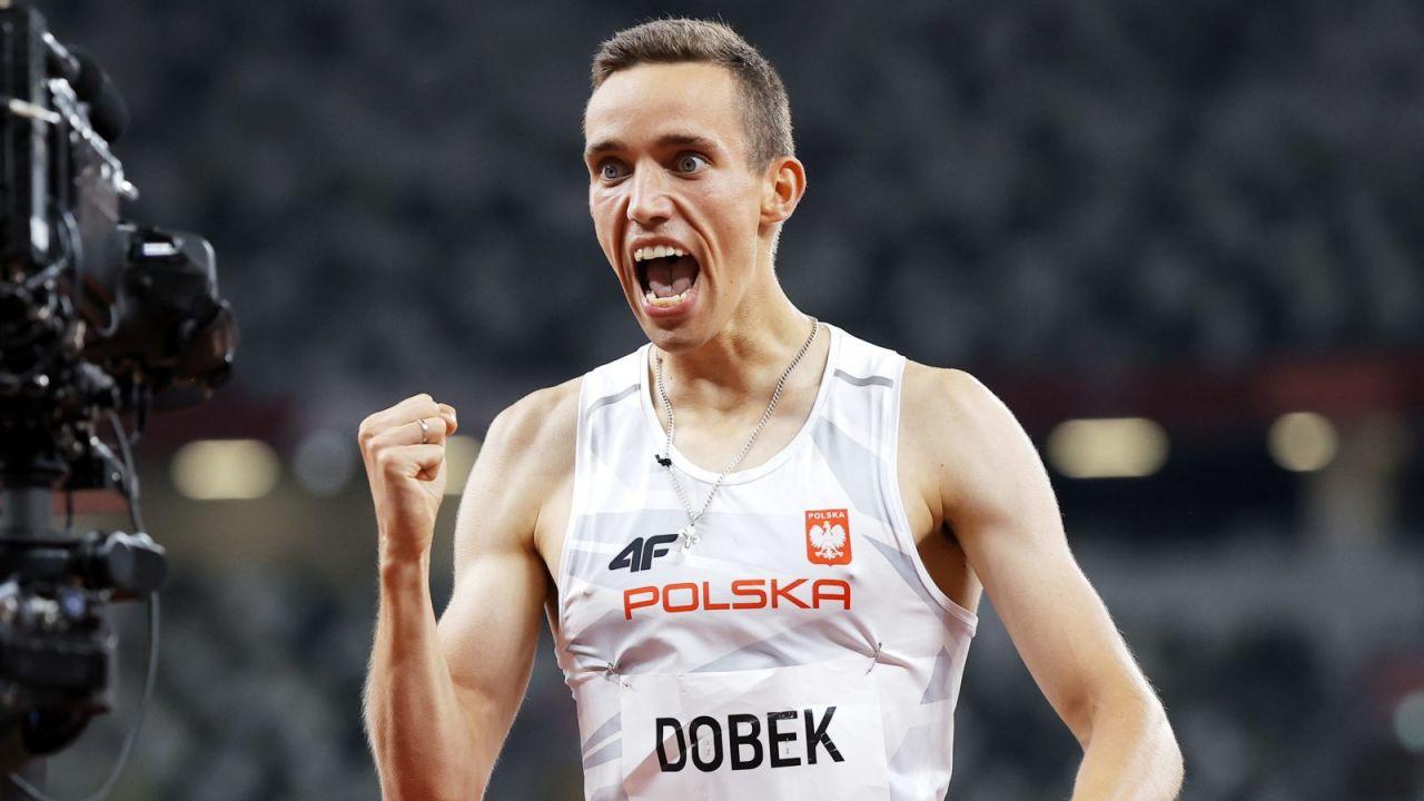 Patryk Dobek w pięknym stylu wygrał swój bieg półfinałowy (fot. PAP/EPA)