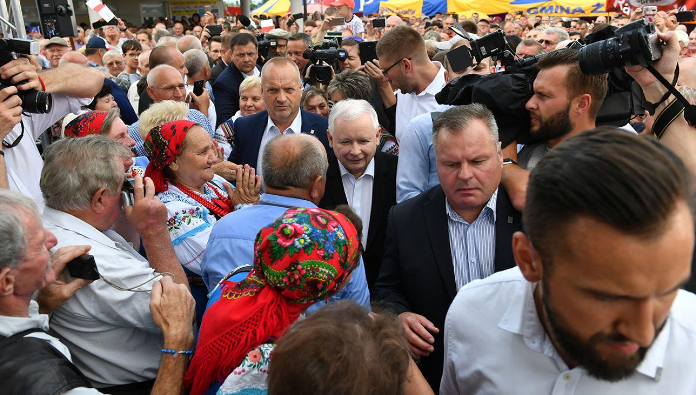 Jarosław Kaczyński podczas spotkania z wyborcami (fot. arch. PAP/Piotr Polak)