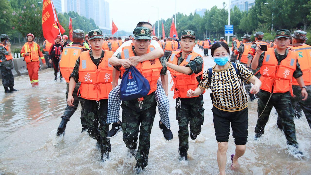 Dziennikarze AFP zostali zmuszeni do usunięcia nagrań Henanie (fot. PAP/EPA/STRINGER)